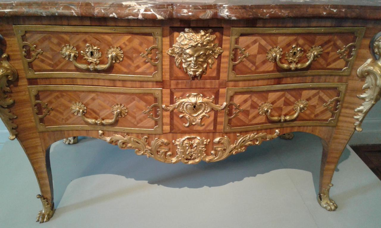 Commode Charles Cressent