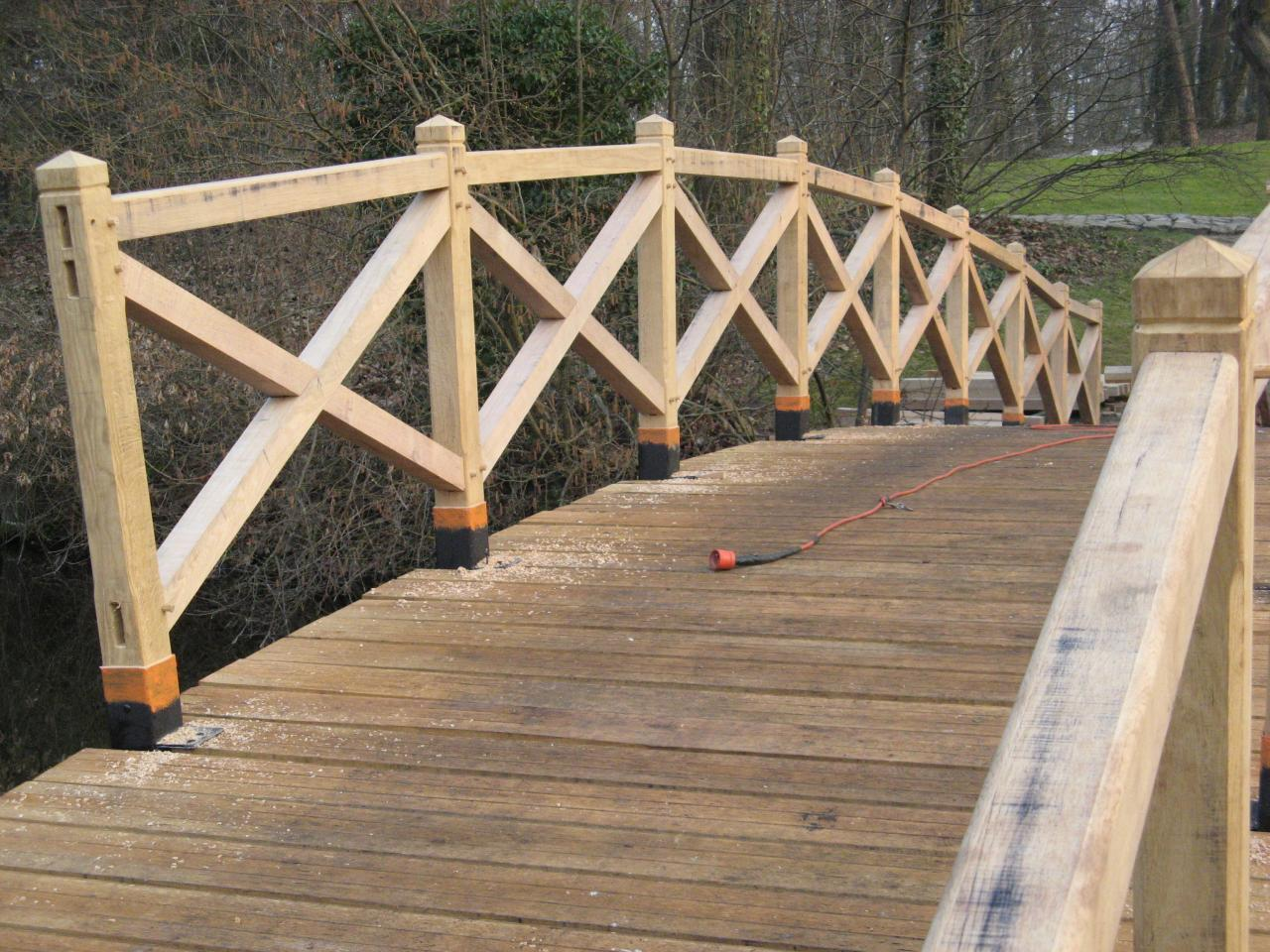 Construction pont en chêne