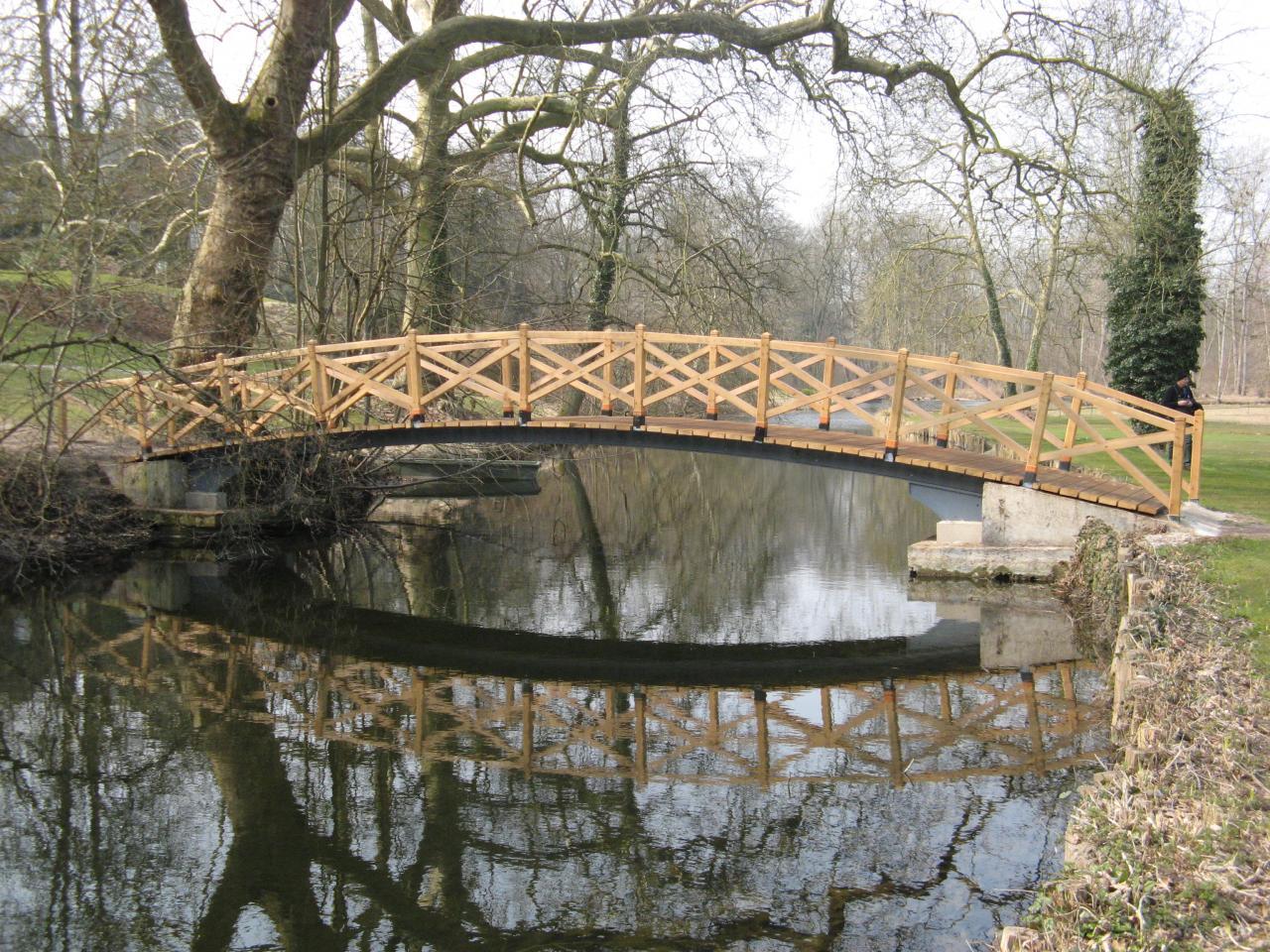 Vue du pont en Chêne