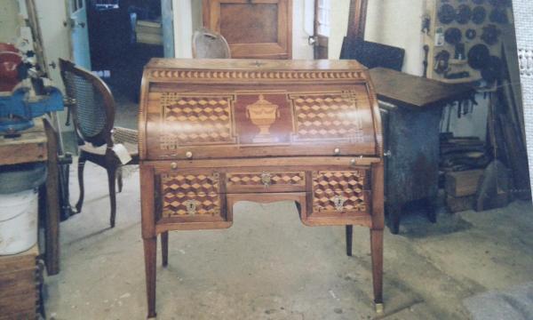 Bureau cylindre d'époque LXVI