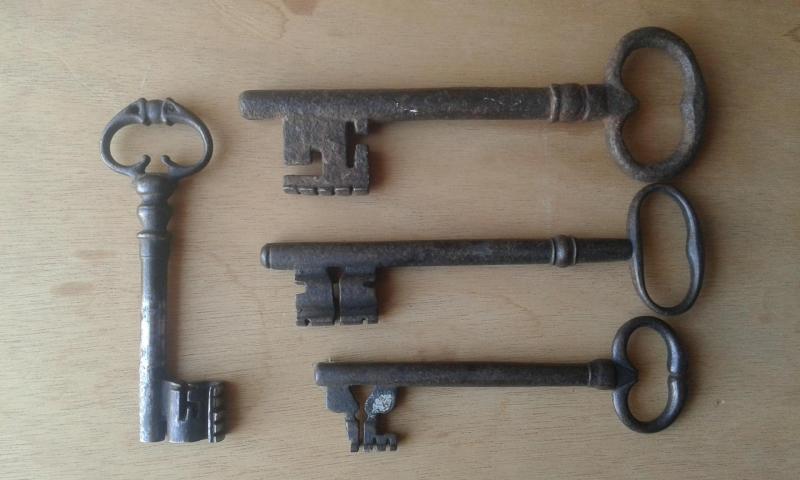 Ensemble de clefs anciennes