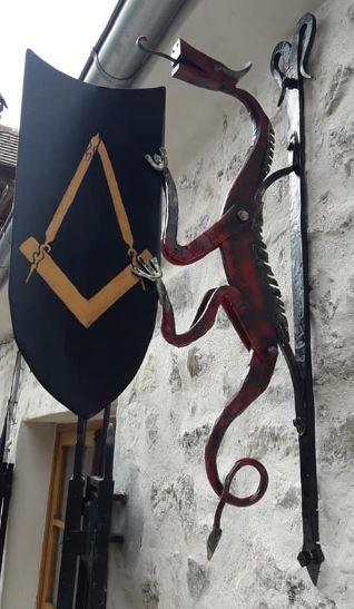 Enseigne dragon atelier d hermand